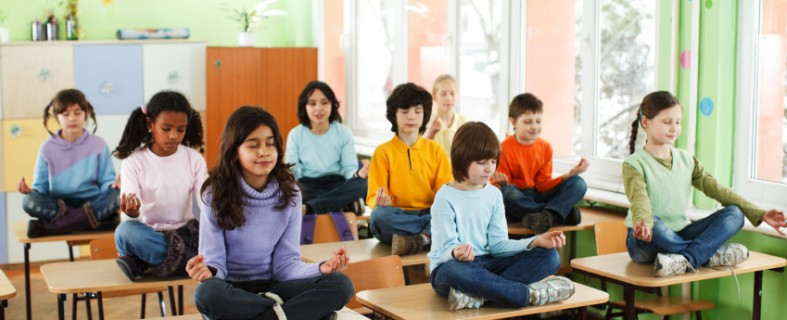 kids meditating in the classroom